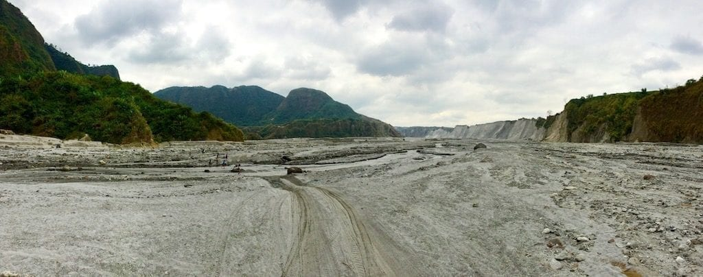 Mount Pinatubo lahar plain | Volcanic ash plain Pinatubo | Pinatubo trek to the crater lake | Children playing in volcanic ash | Philippines