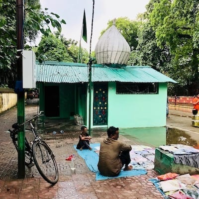 Muslim prayer space by the roadside of Dharmapala Road, Sarnath, India | Musolla randomly on a footpath in front of Sarnath temple | Surau in the Buddhist area of Sarnath, near Varanasi